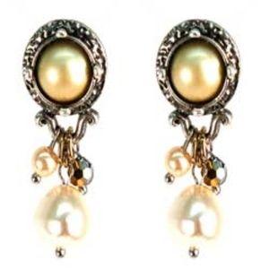 !SALE! Baroque Pearlized Drop Earrings